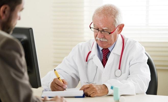 Причем у врача
