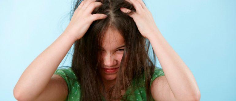 Псориаз на голове : причины, симптомы, диагностика, лечение