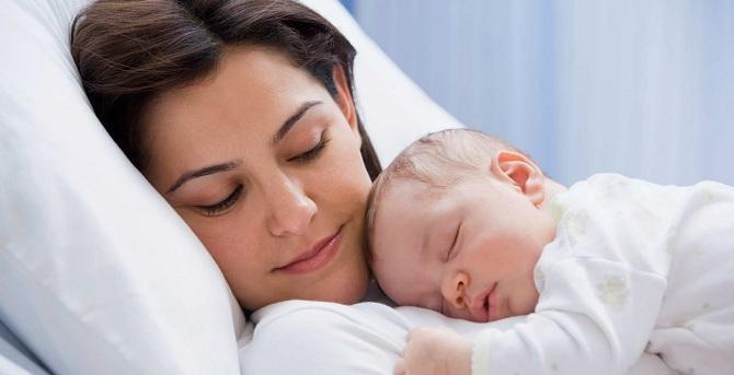 Мать и младенец