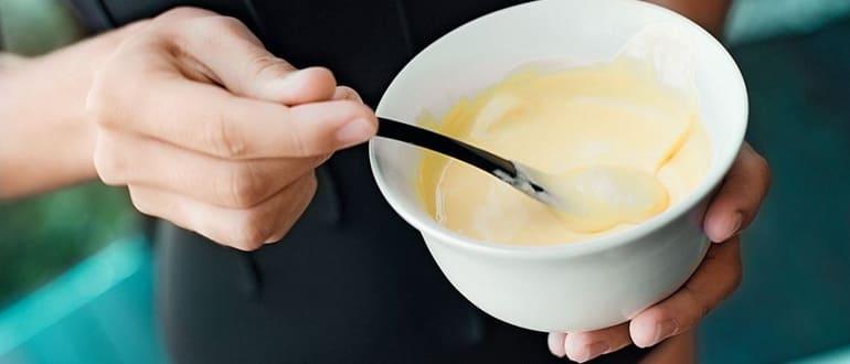 Маска для лица с медом и яйцом от морщин: рецепты