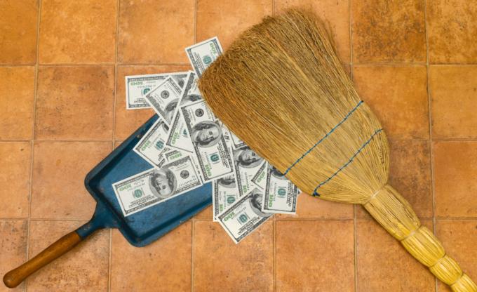 Веник и деньги