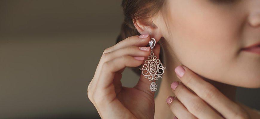 Узнаем, как толкуется потеря сережки с разных ушей. Народные суеверия