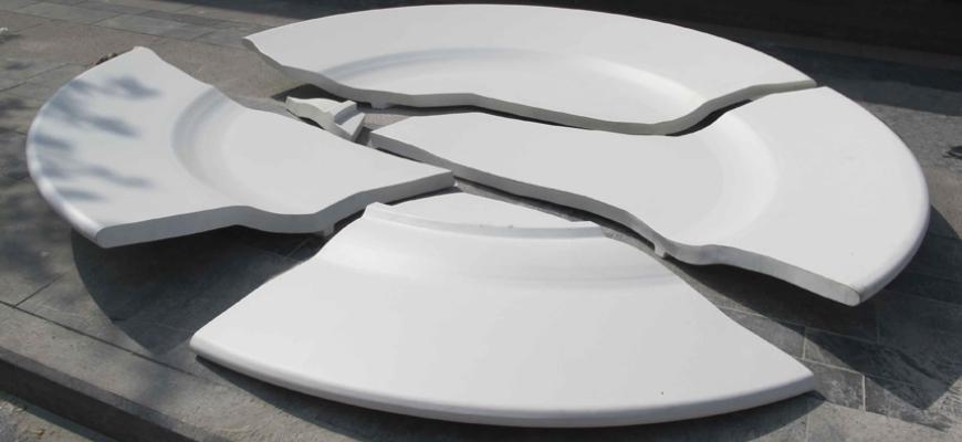 Если в доме часто бьется посуда примета