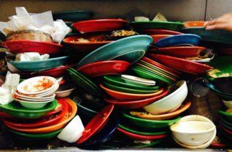 Много грязной посуды