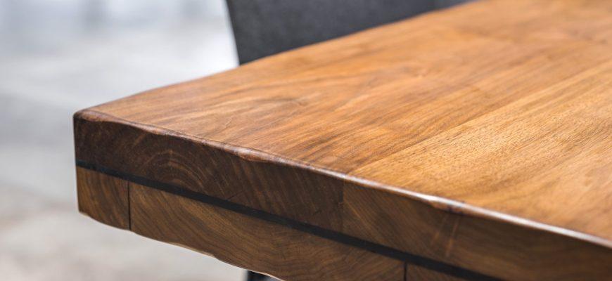 Угол стола