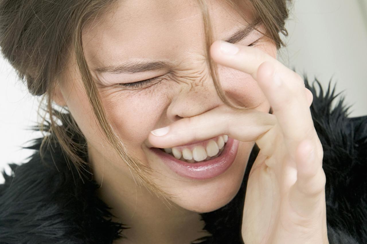 Почему чешется нос — народная примета о зуде