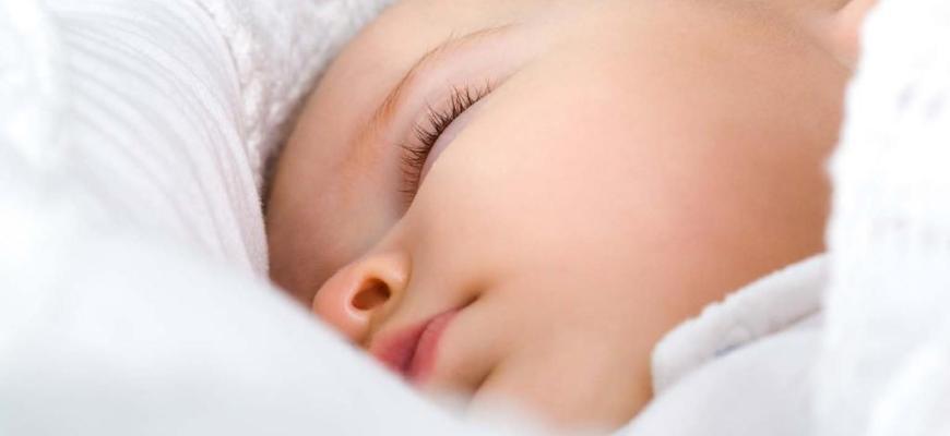 Кашель у грудничка ночью когда спит