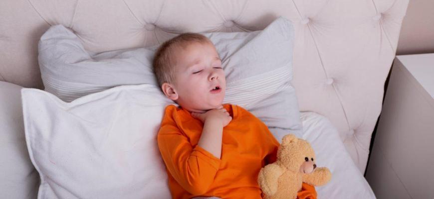 Ночной влажный кашель у ребенка без температуры
