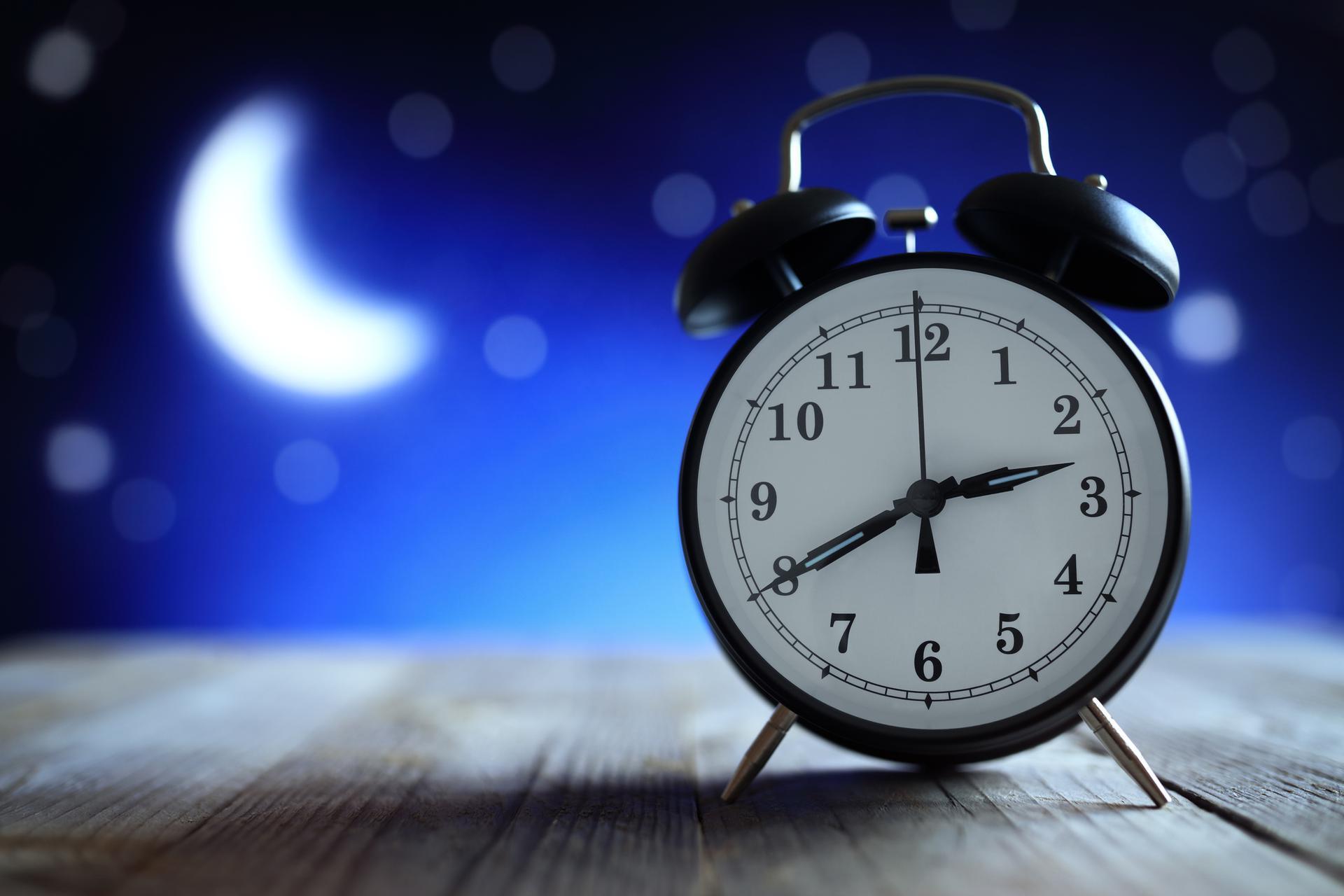 Ночь и часы